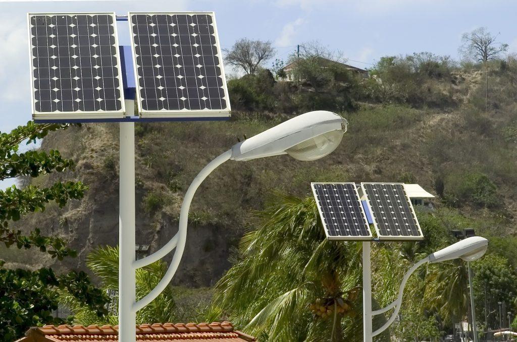 Imagen de Luminarias e Iluminación por Energía Solar